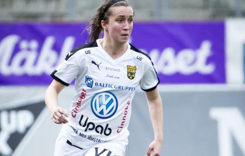 4e95b54c2c6e Fanny Hjelm tillbaka med besked i Umeå IK | Damfotboll.com