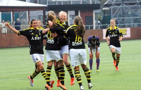 AIK-jubel efter målet.Foto  Anders Henrikson 2bccea7e15ee3